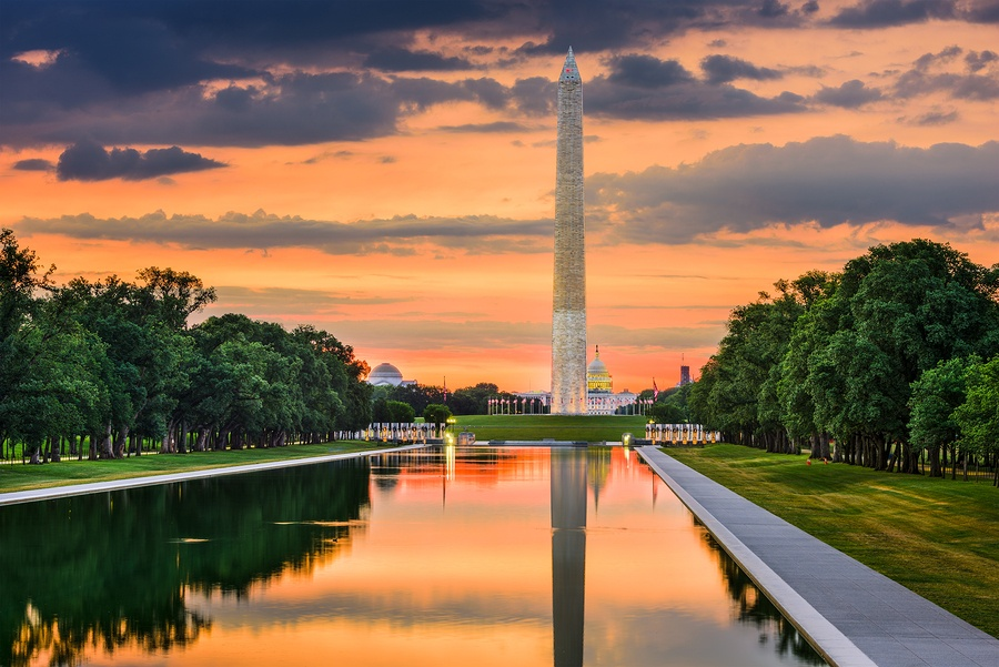 A photo of the Washington Monument in Washington D.C. at dusk.